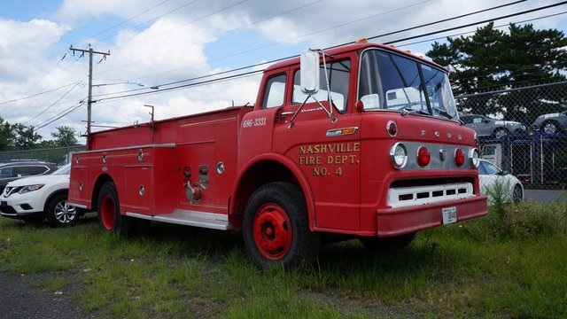 Pre-Owned 1968 Ford E 850 Dual Rear Wheel Pumper
